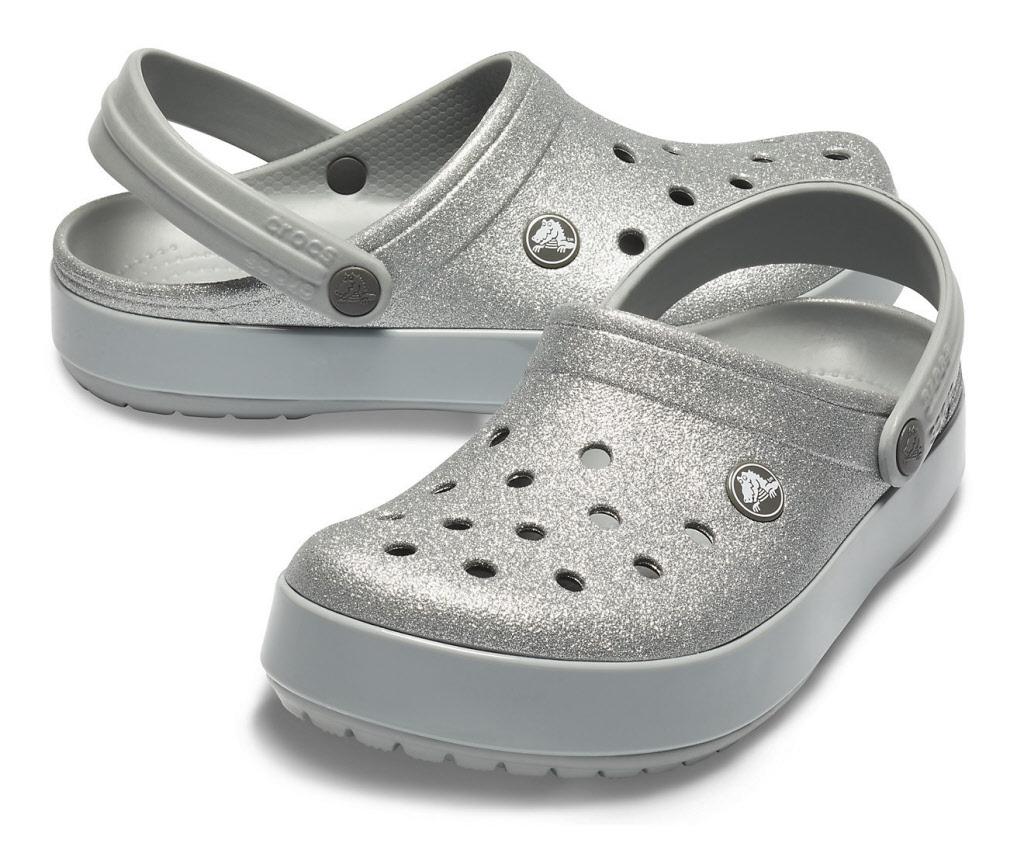 separation shoes e66b3 f6456 Crocs Schuhe silver